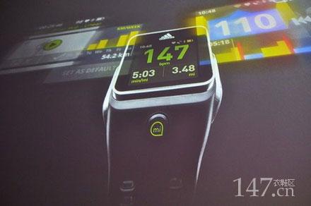 阿迪达斯的智能手表更应该称之为运动手表,就连阿迪达斯官方高清图片