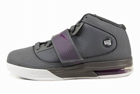 ier IV 詹姆斯士兵4代男子篮球鞋