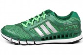 adidas Q23677 CC  Revoluion  M 清风系列绿色男子跑步鞋