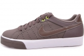 NIKE 616473-221 Court Tour Leather Prem 巧克力色男子休闲板鞋