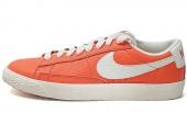 NIKE 555282-800 Wmns Blazer Low Lthr Vntg 橙色女子休闲板鞋
