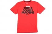 611249-696 Nike Triple Double Machine 詹姆斯红色短袖T恤