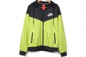 544120-382 Nike  AS Windrunner 风行者黑绿色男子夹克