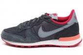 629684-006 Nike Wmns Internationalist 黑色女子休闲鞋
