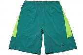 588696-369 Nike绿色男子运动短裤